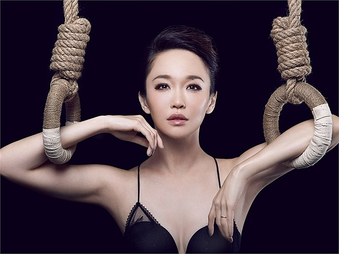 Năm 2002, nữ diễn viên xinh đẹp còn góp mặt vào một bộ phim Hollywood mang tên Hiệp sĩ Thượng Hải.