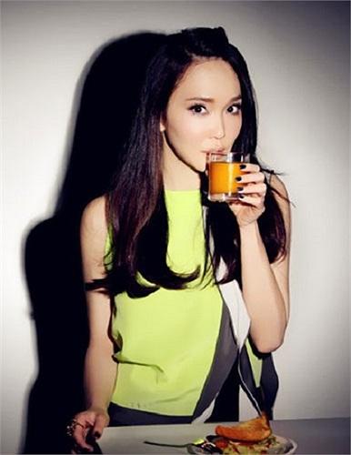 Ngoài sự nghiệp thành công, 'Tiểu Long Nữ' Phạm Văn Phương đang có hạnh phúc viên mãn bên chồng – 'Dương Quá' Lý Minh Thuận.