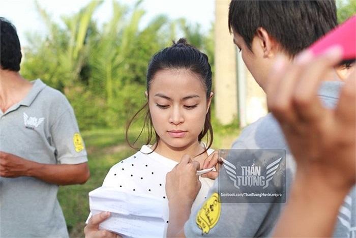 Bên cạnh đó, một loạt các hot boy, hot girl đang nổi như Chi Pu, Cường Seven, Harry Lu, Đức Nhã,… cũng xuất hiện trong phim.