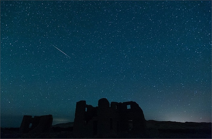 Mưa sao băng vụt qua bầu trời Silver Springs, Nevada, Mỹ