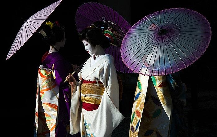 Geisha là nghề truyền thống ở Nhật Bản, nó xuất hiện ở Tokyo và Osaka vào thế kỷ 17