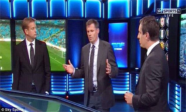 Jamie Carragher và Gary Neville đã có màn ra mắt thành công trong vai trò bình luận viên thể thao của Sport Mail