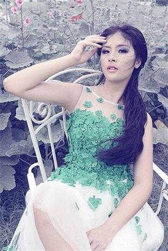 Hoa hậu Việt Nam 2010 ngày càng rạng rỡ về nhan sắc.