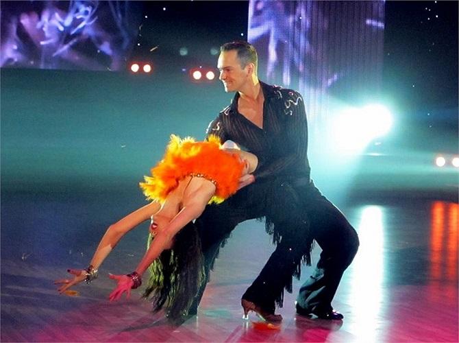 Ngọc Quyên tiếc nuối nói lời chia tay Bước nhảy hoàn vũ 2013 ngay trước thềm chung kết.