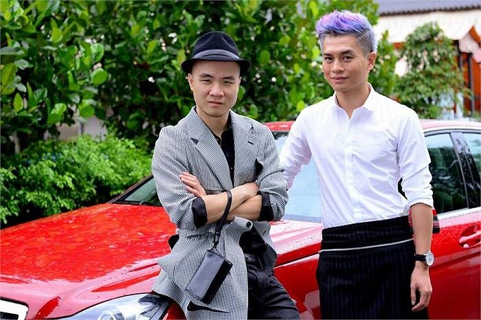 Hiện Thanh Hằng đang làm host chương trình Vietnam's Next Top Model 2013.