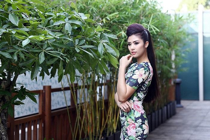 Sau khi tốt nghiệp đại học, Ngọc Hân liên tục cho ra mắt những bộ sưu tập thời trang của mình.