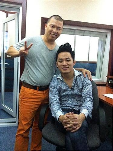 Tùng Dương đi lồng tiếng phim cùng diễn viên Hải Anh.