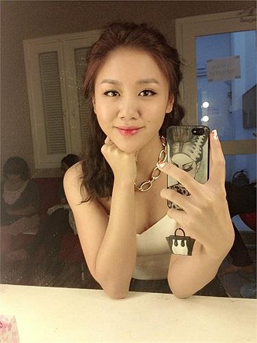 Bước ra từ Vietnam Idol, Văn Mai Hương nam tiến và nhanh chóng gặt hái được thành công trong sự nghiệp.