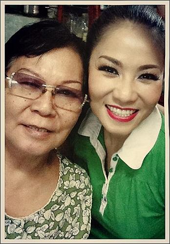 Thu Minh khoe ảnh chụp cùng mẹ.