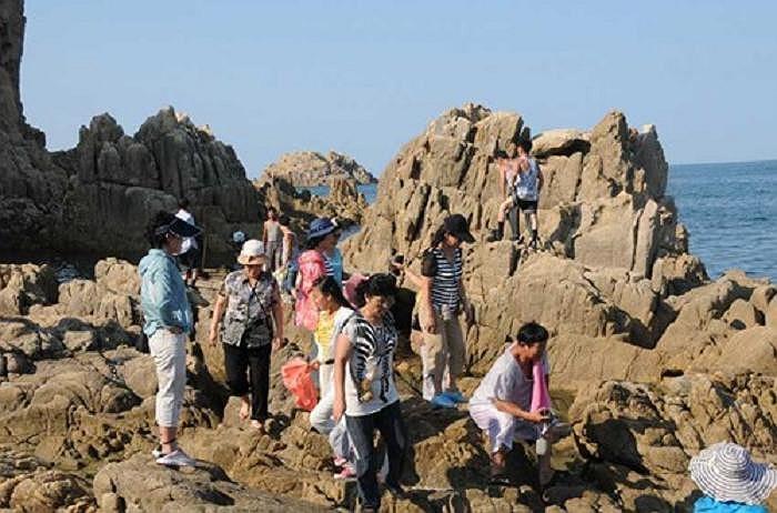 Rất đông khách du lịch tới khu nghỉ dưỡng Haegeumgang