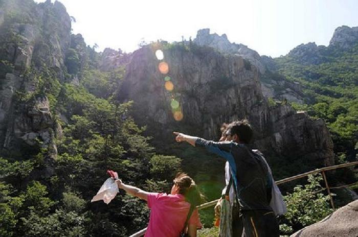 Khu du lịch núi Kumgang của Triều Tiên rất hấp dẫn khách du lịch trong nước và nước ngoài vào mùa hè
