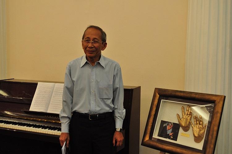 Hôm nay 23/6, triển lãm  Bàn tay thiên thần - Tấm lòng vàng đã khai mạc tại khách sạn Continental Saigon (Đồng Khởi, Q.1, TP HCM)