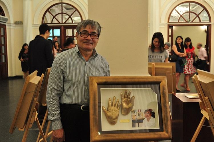 Nhà thơ Nguyễn Duy rất thích tác phẩm bàn tay của chính mình