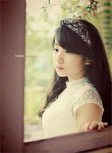 Cô là một trong những mẫu ảnh tuổi teen có tiếng tại Hà Thành
