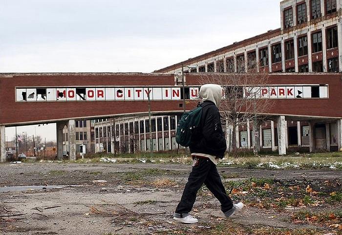 Tỷ lệ thất nghiệp của thành phố này hiện là 18,2% và hơn 1/3 số hộ dân của Detroit được xếp vào loại nghèo tại Mỹ.