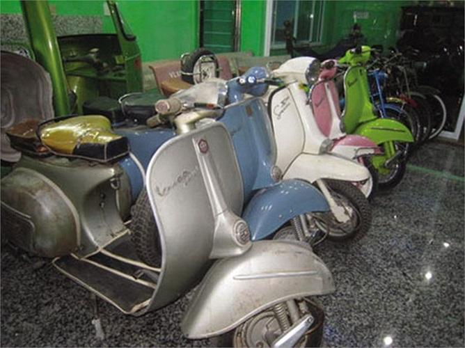 Cứ thế, bộ sưu tập của anh cứ dày thêm. Những dòng xe cổ mà anh Tấn sưu tầm được sản xuất ở khắp các nước trên thế giới như Nhật Bản, Ý, Đức...