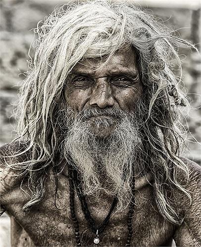 Một người hành hương ở Varanasi, Ấn Độ