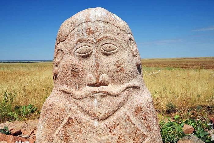 34.Niên đại của balbals này vào khoảng thế kỷ VIII.