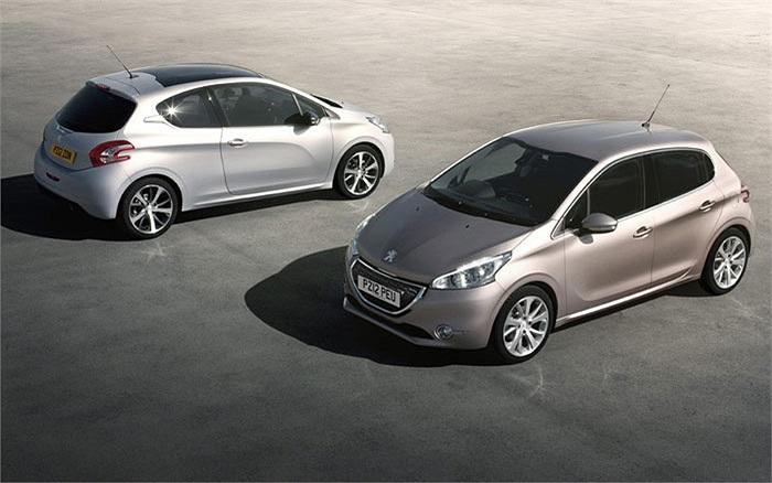 Giữ vị trí số 9 trong top 10 mẫu xe tiết kiệm nhiên liệu nhất Châu Âu là Peugeot 208 1.4 e-HDi 70 EGC bản máy dầu với mức tiêu thụ nhiên liệu 2,83 lít/100 km và có lượng phát thải CO2 ở mức 87g/km.