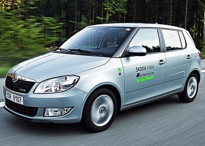 Đứng cuối bảng là dòng xe giá mềm Skoda Fabia 1.2 TDI Greenline II với mức tiêu thụ nhiên liệu 2,83 lít/100 km và có lượng phát thải CO2 ở mức 89g/km.