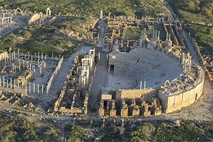 Phần còn lại của nhà hát ở Leptis Magna
