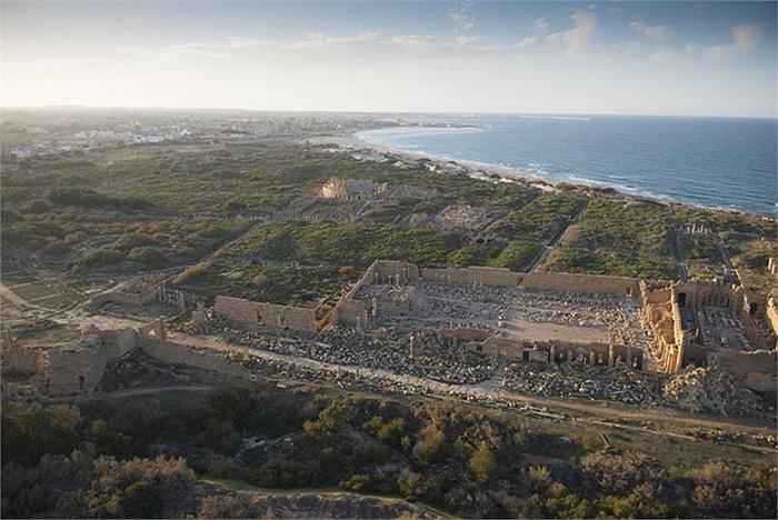 Nhà thảo luận ở Leptis Magna