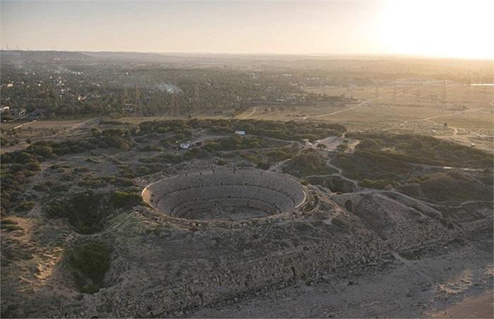 Đấu trường, nhà hát khổng lồ trong thời La Mã ở Leptis Magna