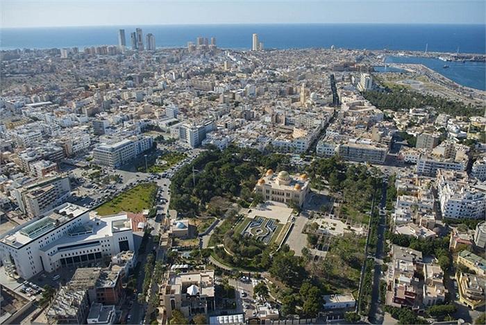 Khung cảnh nhìn từ trên cao của thủ đô Tripoli, Libya