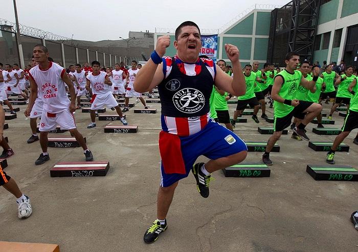 Các tù nhân tại nhà tù Lurigancho ở Peru đã lập kỷ lục thế giới về số lượng tù nhân cùng tập thể dục nhiều nhất hôm 14/06 vừa qua.