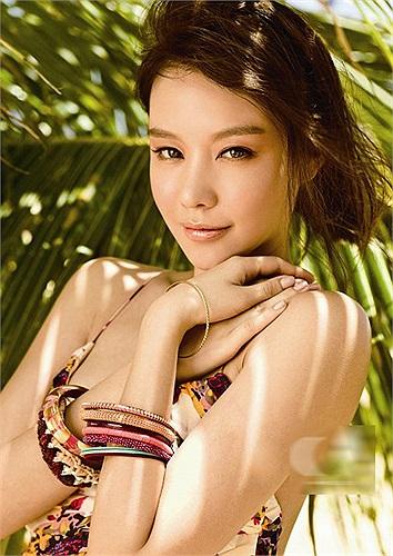 Nữ diễn viên  trong Người đẹp ngàn cân Kim Ah Joong