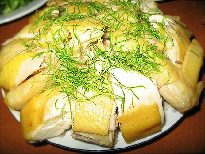 Nếu bạn không ăn chay, bạn có thể ăn thịt gà, trứng, hải sản.