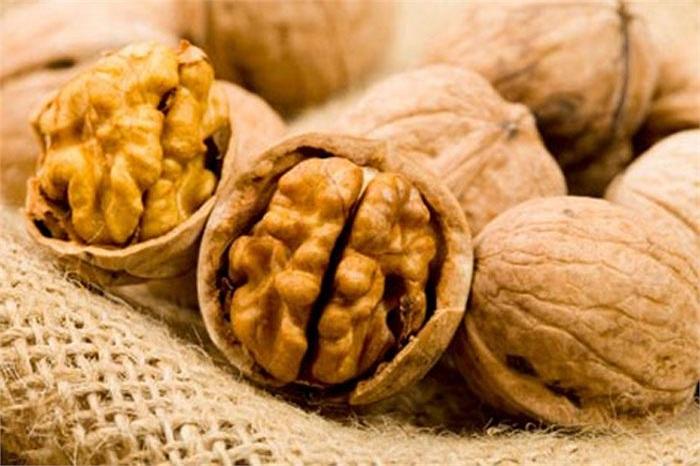 Một thực phẩm quan trọng để bao gồm trong chế độ ăn uống của bạn là các loại hạt. Hạnh nhân