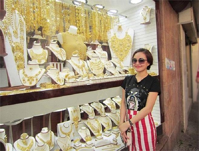 Vy Oanh có chuyến du lịch sang chảnh ở Dubai.