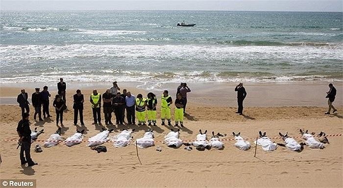 Vụ chìm tàu ngoài khơi đảo Lampedusa, Italy hôm 3/10/2013 khiến 194 người chết