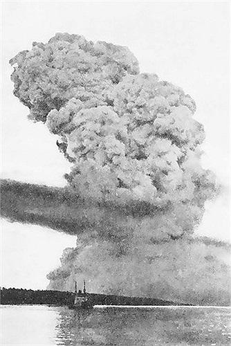 Ngày 6/12/1917, một tàu của Pháp có tên là Mont-Blanc đã va phải tàu của Na-Uy có tên là Imo tại cảng Halifax, Nova Scotia, khiến hơn 1.900 người thiệt mạng