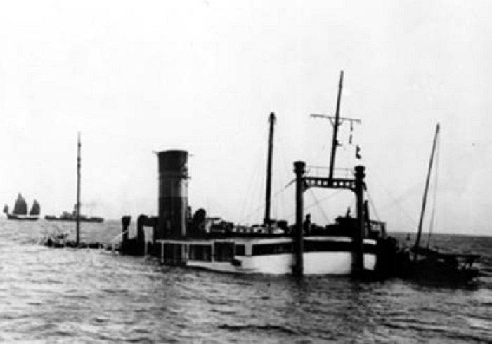 Ngày 4/12/1948, tàu SS Kiangya (Trung Quốc) khi cách Thượng Hải 80km về phía Bắc, đoạn cửa sông Hoàng Phố bất ngờ va phải mìn khiến phần đuôi tàu bị nổ. Số người thiệt mạng lên đến 3.920 người
