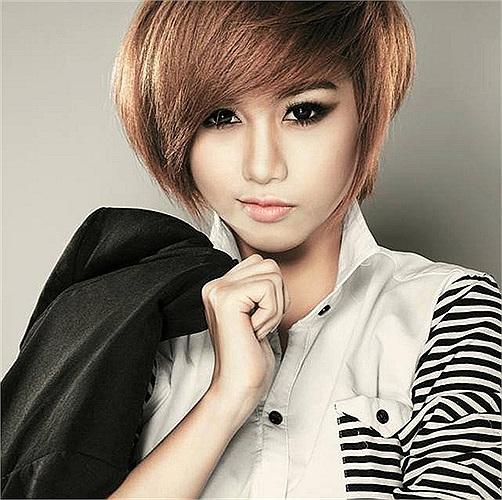 Thử so sánh vẻ đẹp của Huang Can Can với Quỳnh Nhi- nữ sinh 9x vừa giành danh hiệu Miss Bóng rổ 2013