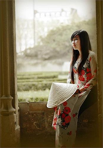 Tác phẩm: Người con gái Việt của Trần Thị Phượng
