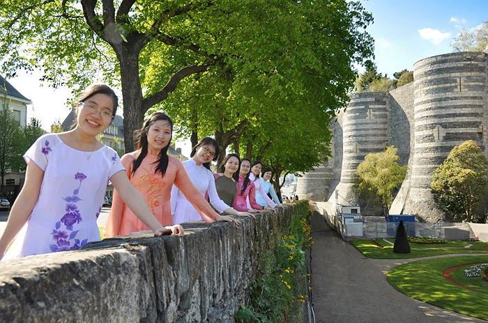 Bức ảnh có tên gọi: Xinh tươi Việt Nam do nhóm Sinh viên Việt Nam tại Angers thực hiện