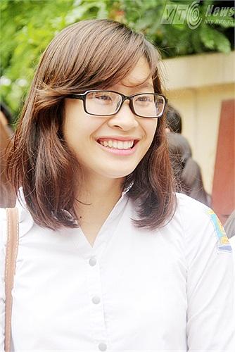 Khoe nụ cười rạng rỡ (Hương Giang - Phạm Thịnh)