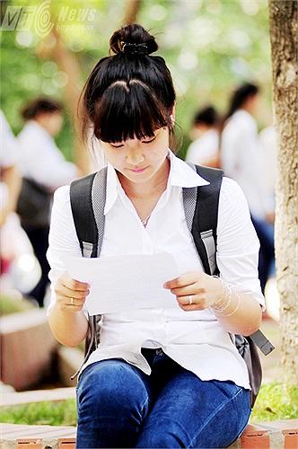 Sau khi hoàn thành kỳ thi tốt nghiệp, cô bạn sẽ tiếp tục ôn thi đại học đầy vất vả
