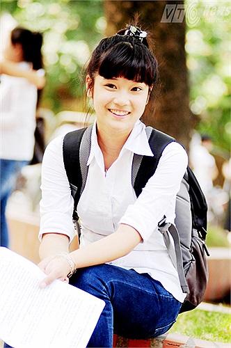 Chi bi Hoàng Yến đăng ký dự thi ĐH Văn hóa, Khoa quản lý văn hóa