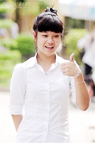 Cô bạn tỏ ra rất thoải mái sau khi kết thúc các môn thi