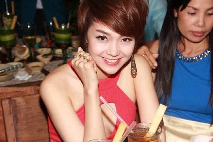 Bé Heo Minh Hằng dù tóc ngắn vẫn vô cùng quyến rũ.