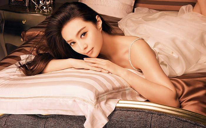 Điểm đặc biệt hơn người của mỹ nữ họ Phạm là quảng cáo của cô có sức hút lớn nhưng không dung tục, phản cảm.