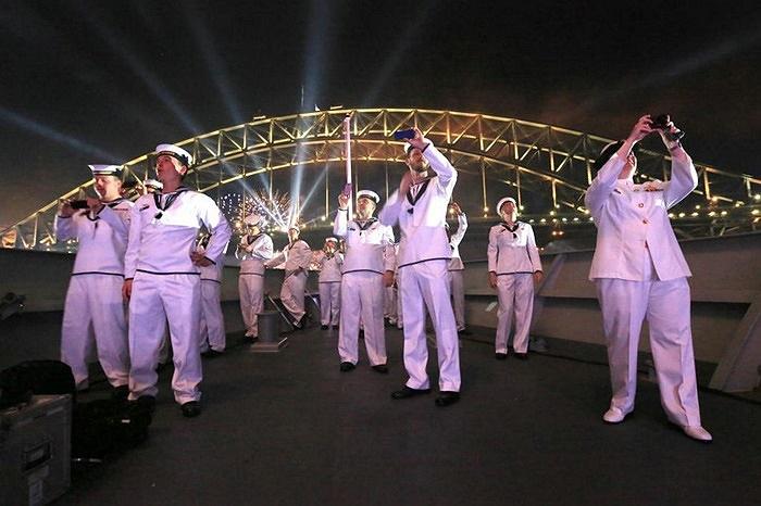 Hàng nghìn binh sĩ hải quân cũng tham gia lễ kỷ niệm