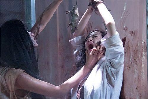 Siêu mẫu Trang Trần cũng góp một vai diễn trong bộ phim này.