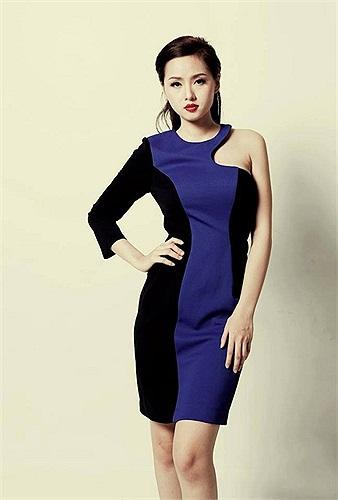 Hotgirl Tâm Tít thay đổi sang hình tượng quý cô công sở.