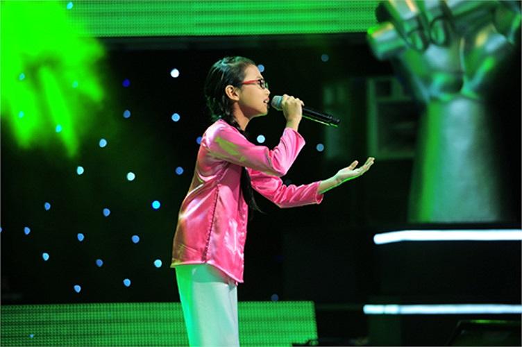 Giọng ca khá đẹp, xử lý tinh tế và mùi mẫn trong ca khúc đã khiến Phương Mỹ Chi chiếm được cảm tình của khán giả và các HLV. Hiền Thục đã bật khóc khi nghe giọng ca da diết của cô bé.