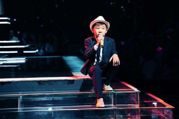 Ngọc Duy còn thể hiện khả năng beatbox ấn tượng trong phần giữa ca khúc.
